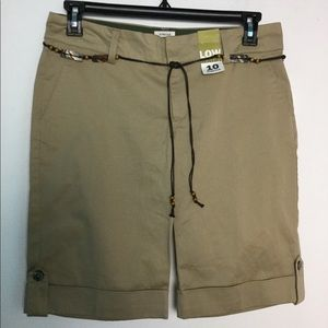 NWT Old Navy 10 Bermuda Shorts Khakis Stretch Tan